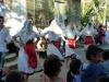 Balli popolari rallegrano Uznovë per la festa patronale di S. Pio da Pietralcina