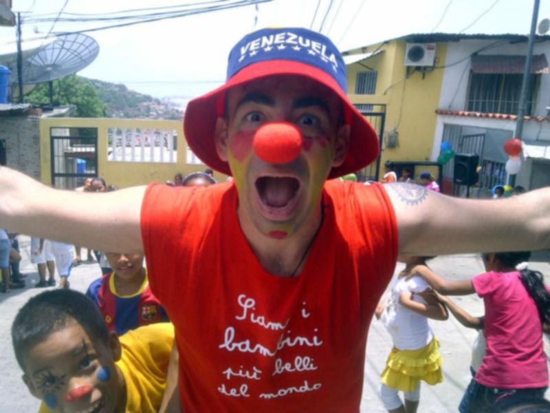 Il dottor clown in primo piano
